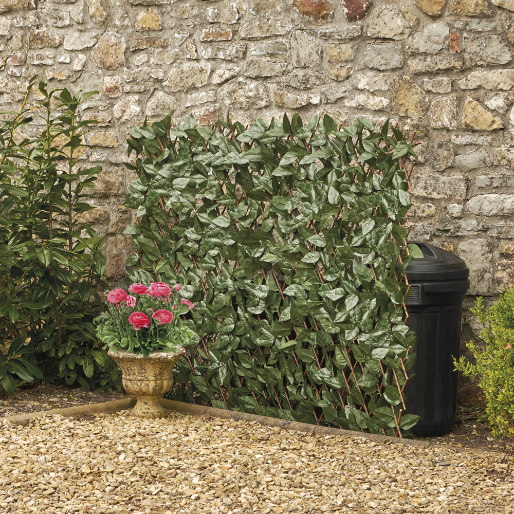 Image of Expandable Artificial Ivy Hedge Trellis