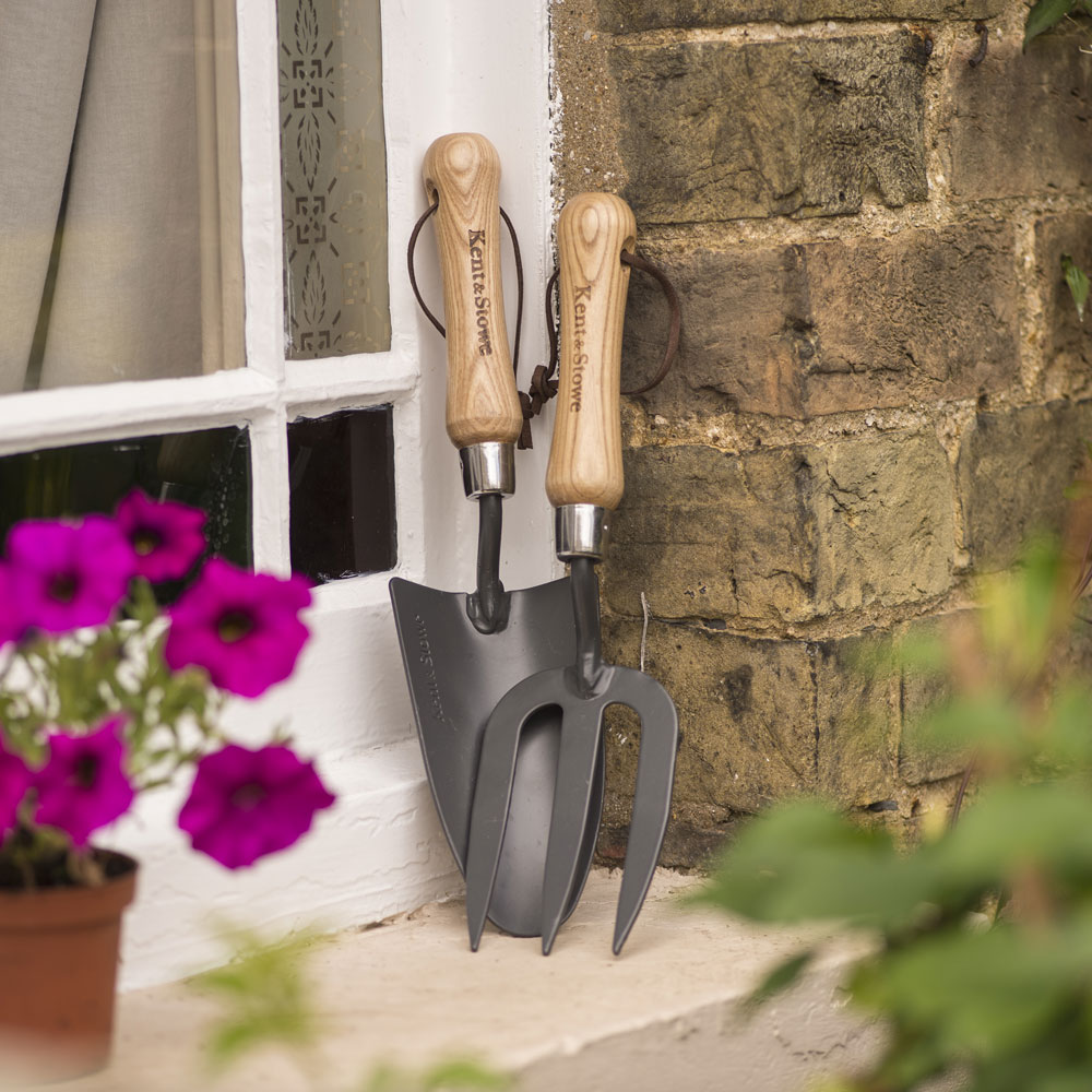 Image of Kent & Stowe Carbon Steel Hand Trowel and Fork Set