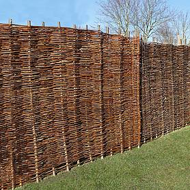 Willow Hurdle Decorative Woven Garden Fencing Panel 6ft x 5ft - (1.8m x 1.5m) Natural Woven Wattle Fencing