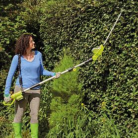 garden gear v cordless lithiumion telescopic hedge trimmer