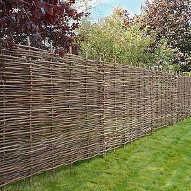 Hazel Hurdle Decorative Woven Garden Fencing Panel 6ft x 4ft 6in - (1.8m x 1.35m) Natural Woven Wattle Fencing